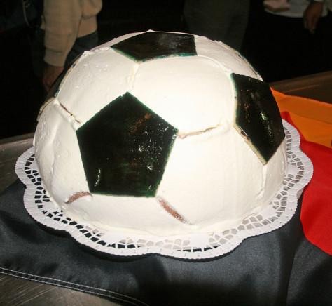 wm-torte-frau-borchert